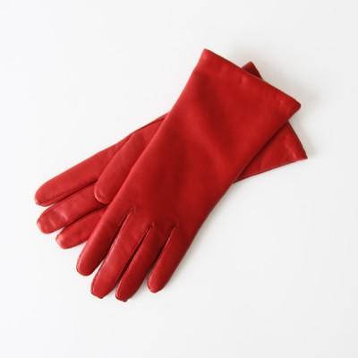 手袋のプレゼントに欲しい!デンマーク王家愛用の、上質な手袋