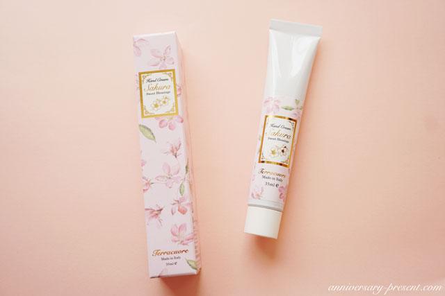 桜のプレゼントに!春にもらって嬉しいプレゼント、桜のハンドクリーム